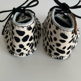 NEW BORN BABYBOOTIE MODA LITTLE DOTS PRINT_
