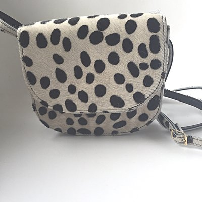 SADDLE BAG NANNE SMALL FURRY DALMATION PRINT