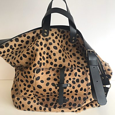 SHOPPER MARNY FURRY LEOPARD PRINT